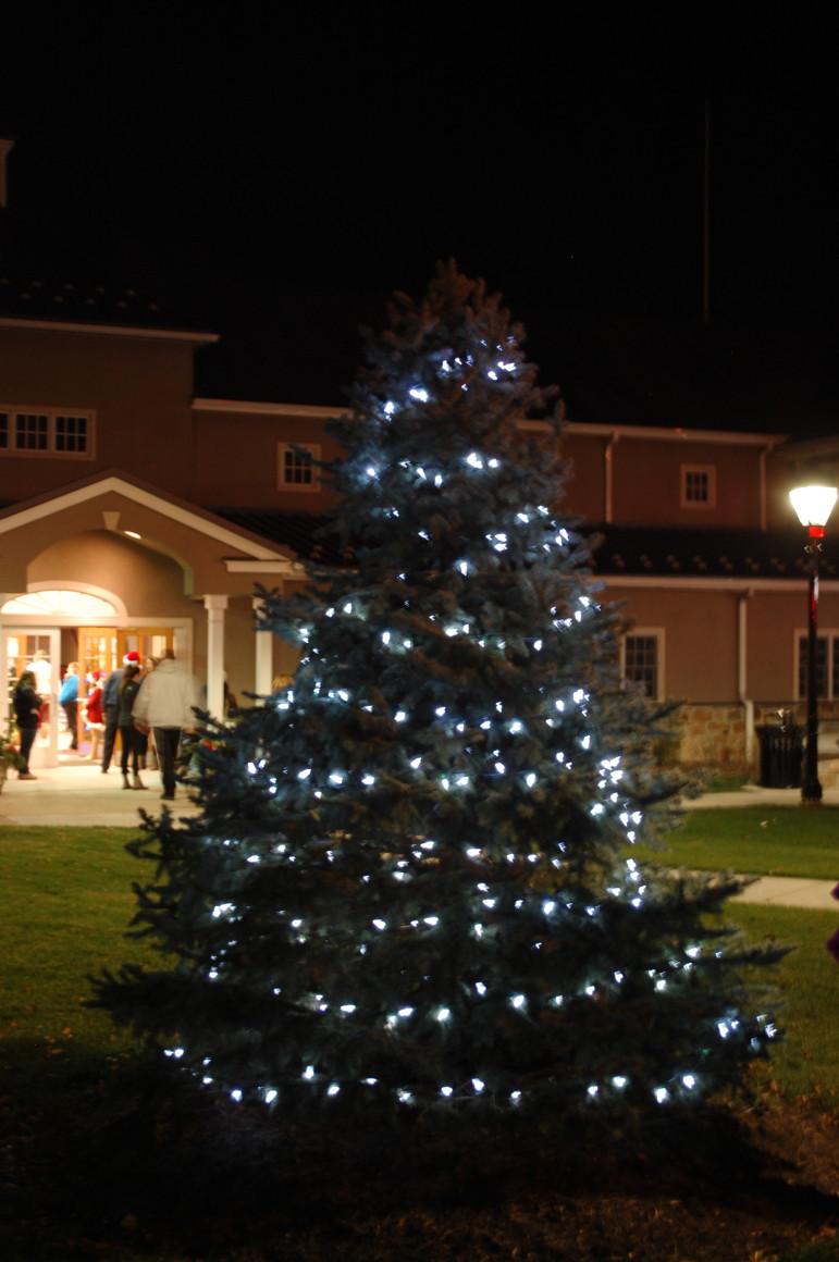 Lighting Basement Washroom Stairs: Santa Comes To Hellertown On Light-Up Night (PHOTOS