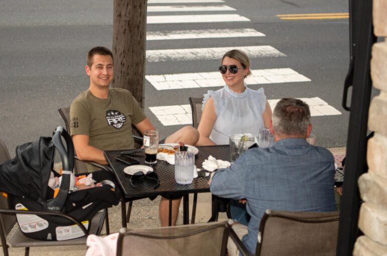 Dining Hellertown Outside Al Fresco