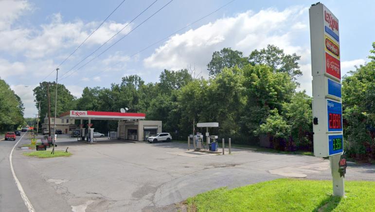 Riegelsville Exxon Gas Skimmers