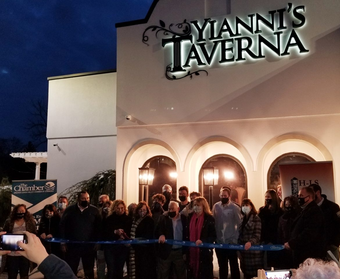 Yianni's Taverna Ribbon-Cutting