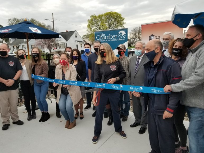 Dewey Bar Opening