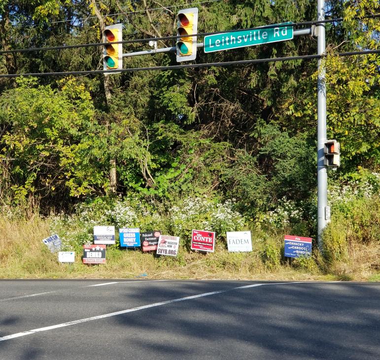 Signs School Board Candidates